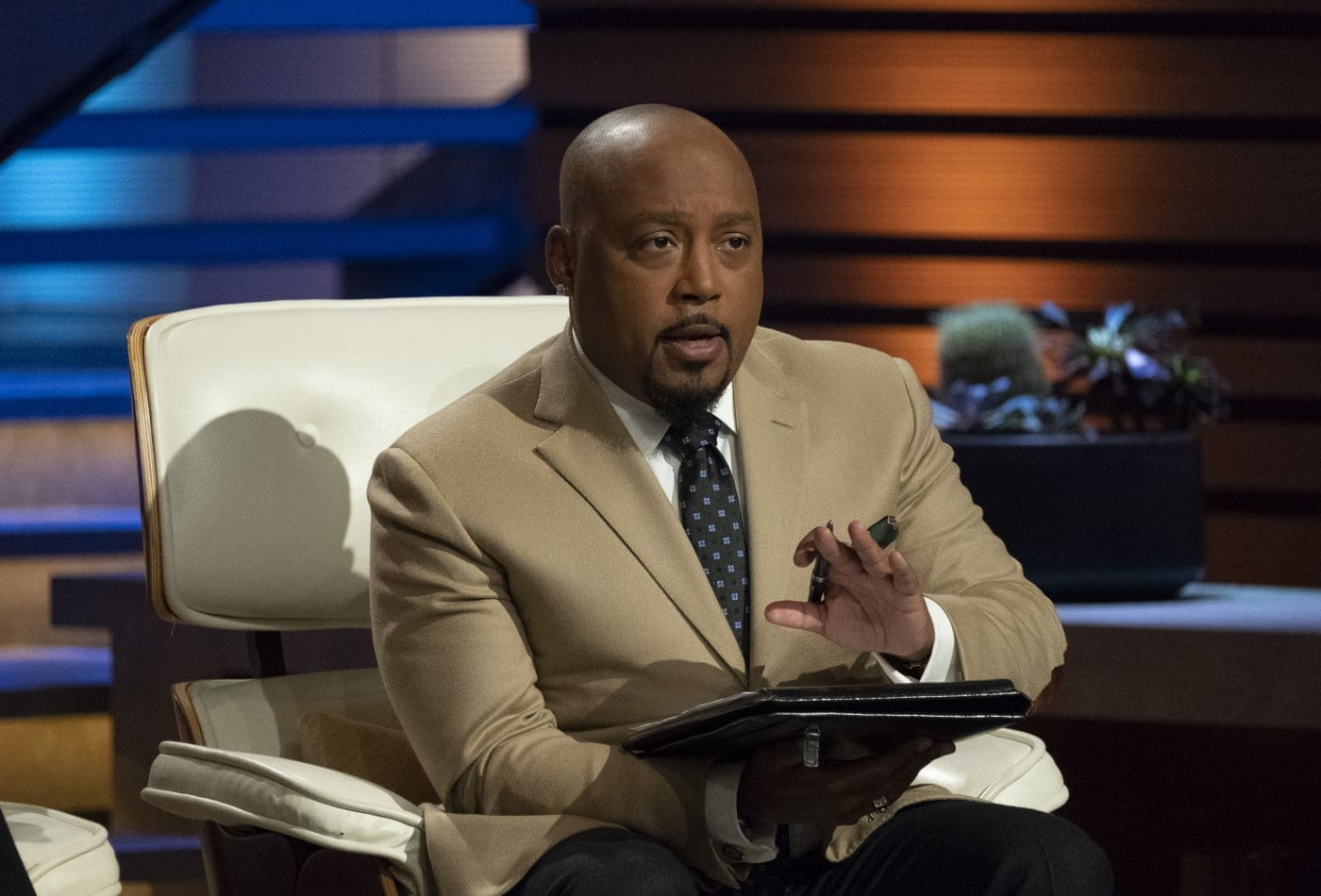 Daymond John to pick Black entrepreneurs for $25,000 grants: 'We need to be building businesses, not burning them'